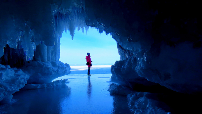 apostle-ice-caves-1